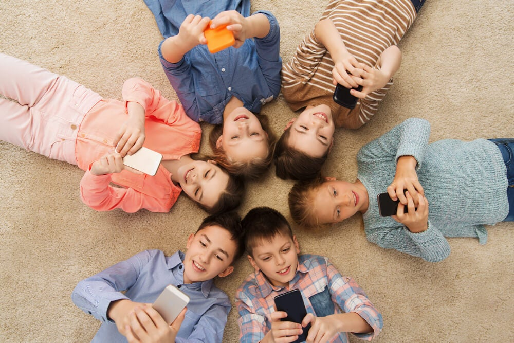 ¿Realmente nuestros niños y niñas necesitan el móvil?
